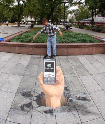 3D street artist with painting for Sony Ericsson in Vilnius