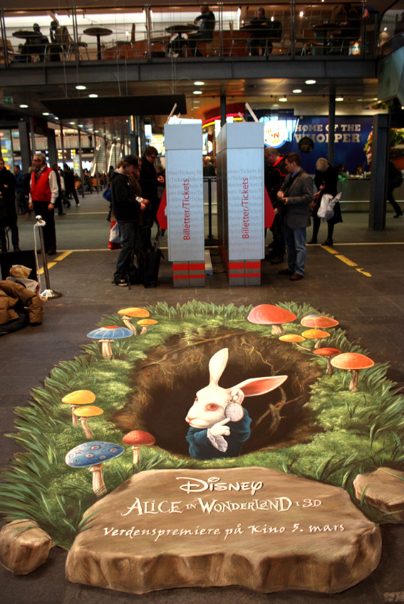 3D pavement drawing for Alice in Wonderland premiere in Oslo