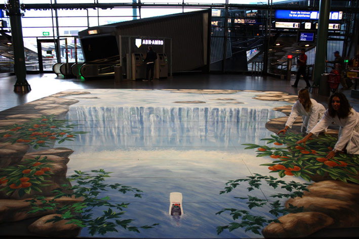 3D street art in Schiphol airport for Kneipp
