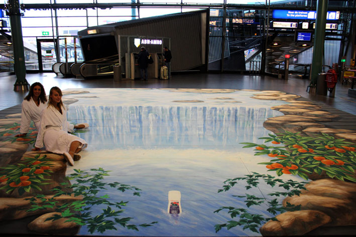 Complete optical illusion at Schiphol airport for Kneipp