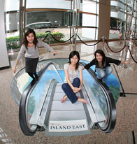 Girls posing with 3D floorsticker